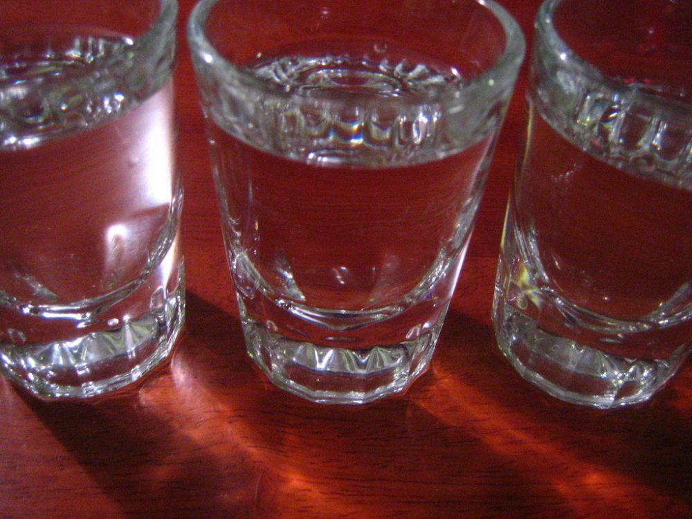 Злоупотребата с алкохол уврежда по-бързо женската серотонинова система
