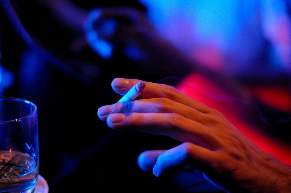 Пушенето и засилената употреба на алкохол са свързани с епигенетични признаци на стареене