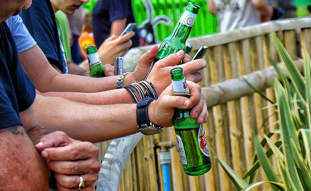 Не само майките трябва да се въздържат от алкохол, когато се опитват да заченат