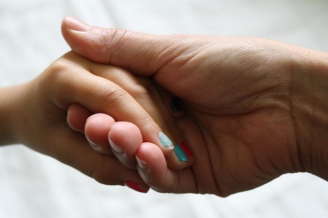 Майките, лекуващи се от зависимост, чиито деца взимат участие в лечението, се възстановяват по-бързо