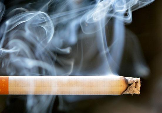 Хората, които са опитвали цигари, започват да пушат ежедневно