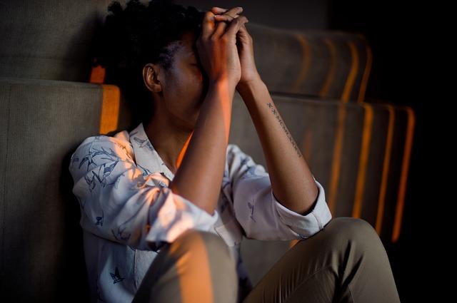 Ниската самооценка е свързана с повишен риск от опиоидна употреба