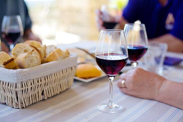 Дори умереното пиене на родителите разстройва децата